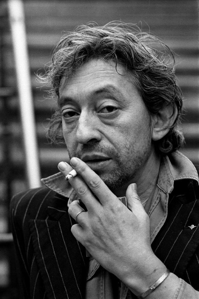 serge-gainsbourg-cigarette